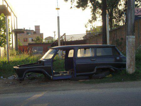 uMKTPOAVeraneio-450x337 Delegacia e Chevrolet Veraneio - Carros Inúteis!