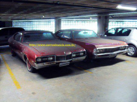 Ronaldo-Aeroporto-de-Recife-Pe-frnt-Oldsmobile-Cutlass-68-e-Chevrolet-Impala-67-450x336 Oldsmobile Cutlass e Chevrolet Impala