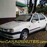 Renault 19, Porto Alegre, RS. Foto de Cláudio Mineiro.