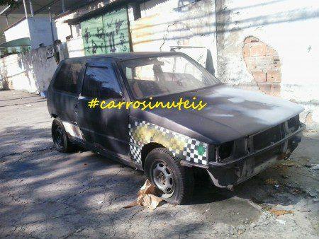 20150502_090511-450x338 Fiat Uno, bairro da Penha, no Rio de Janeiro, RJ, Adelino